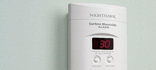 Cách đo chất lượng không khí bằng carbon monoxide detector