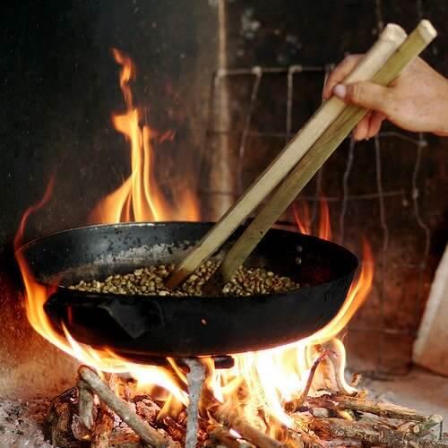 Cách khử mùi thức ăn bằng hạt cà phê