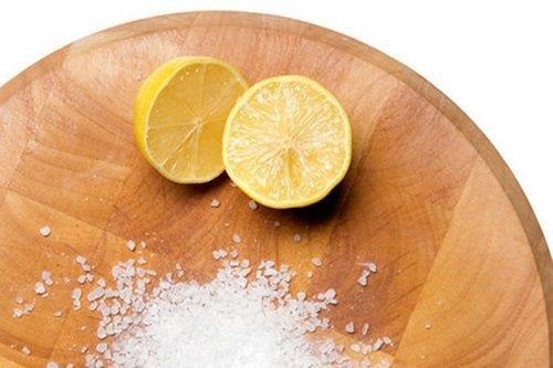 Cách làm sạch không khí trong nhà bằng chanh, muối